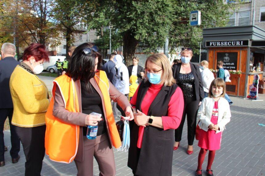 De Hramul orașului, municipalitatea a antrenat circa 600 de voluntari în sectoarele capitalei, pentru respectarea măsurilor de protecție anti COVID
