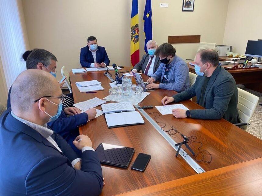 Ion Ceban solicită poziția Parlamentului privind negocierile directe dintre municipalitate și operatorii economici, în vederea achiziționării autobuzelor